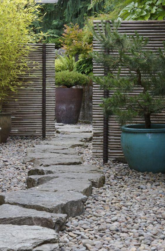 Grosses pierres en pas japonais