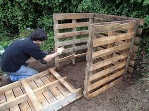 Comment fabriquer un composteur en bois de palettes